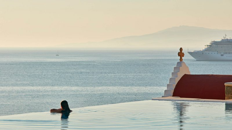 Bill and Coo, Mykonos